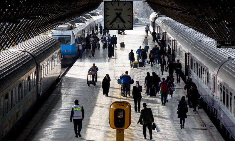 جابجایی 120060 نفر از اداره کل راه آهن قم در ايام نوروز ۹۷