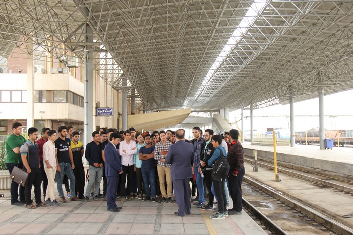 بازدید دانشجویان دانشکده شهید صدوقی از راه آهن یزد