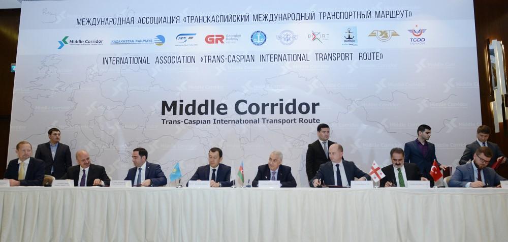 قطار مسافری باکو- تفلیس – قارص سال آینده راه اندازی می شود