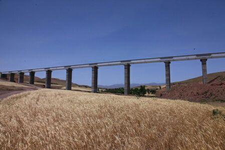 تکمیل زیرسازی راه آهن میانه-بستان آباد/ اتمام ریلگذاری یک خط