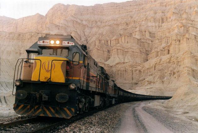 ۹۶ درصد صادرات سیمان از مرز ریلی سرخس انجام می شود