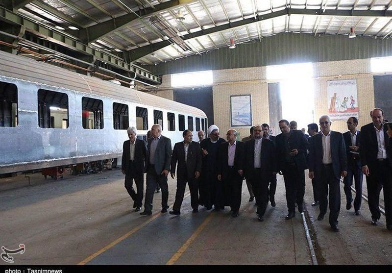 بازدید وزیر صنعت و معدن از کارخانه واگن سازی زرند کرمان