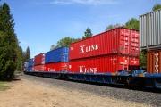 بیتوجهی به اتصال خطوط ریلی به مراکز بار/ تعداد کامیونها بیشتر از بارهای قابل حمل است