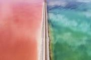 دریاچه رنگی بزرگ نمک در ایالت یوتا Utah و تقسیم آن به دو قسمت توسط راه آهن + عکس