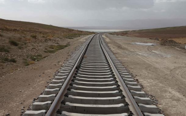 معاون وزیر راه و شهرسازی در سفر به استان همدان خبر داد: ایستگاه راهآهن فامنین به شهر نزدیکتر شد