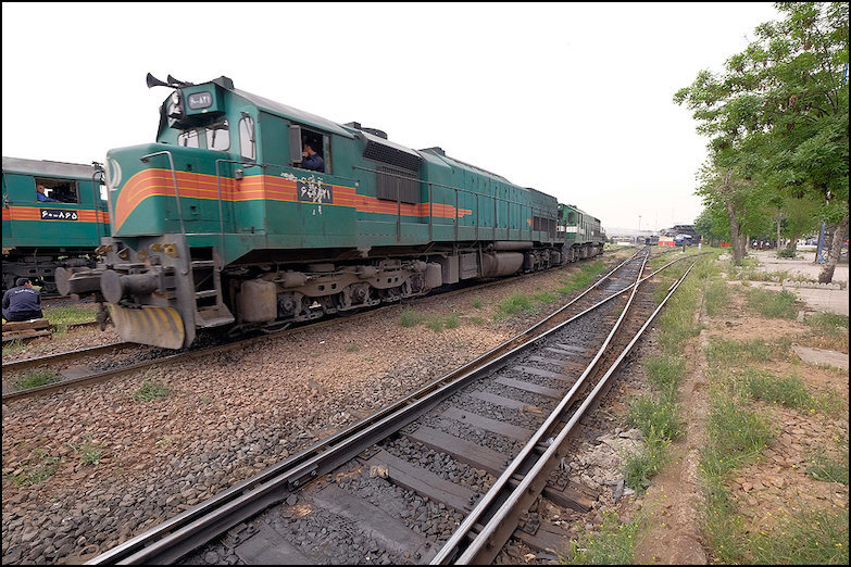 تحقق حمل یک میلیون ۸۸۰ هزار تنی اداره کل راه آهن تهران در ۶ ماهه نخست سال ۹۷