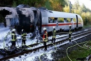 اتش سوزی قطار سریع السیر آلمانی در مسیر کلن – فرانکفورت + فیلم