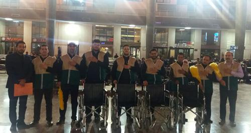 استقبال خادمیاران از زائران در راه آهن مشهد