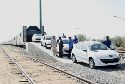 جابجایی ۳۴۰۰ دستگاه خودرو از طریق راه آهن جنوبشرق