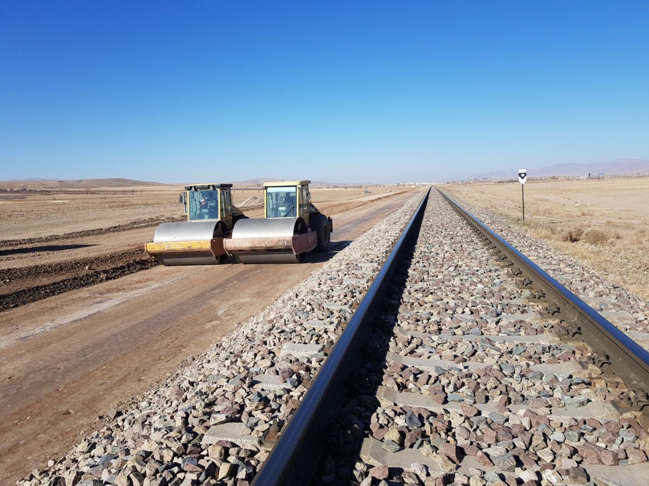 اتصال ریلی مرکز به غرب کشور با پروژه راه آهن اراک اصفهان / پروژه خط راه آهن اراک-اصفهان به فاز دوم رسید