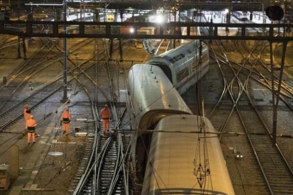 خروج قطار سریعالسیر آلمانی از ریل در سوئیس