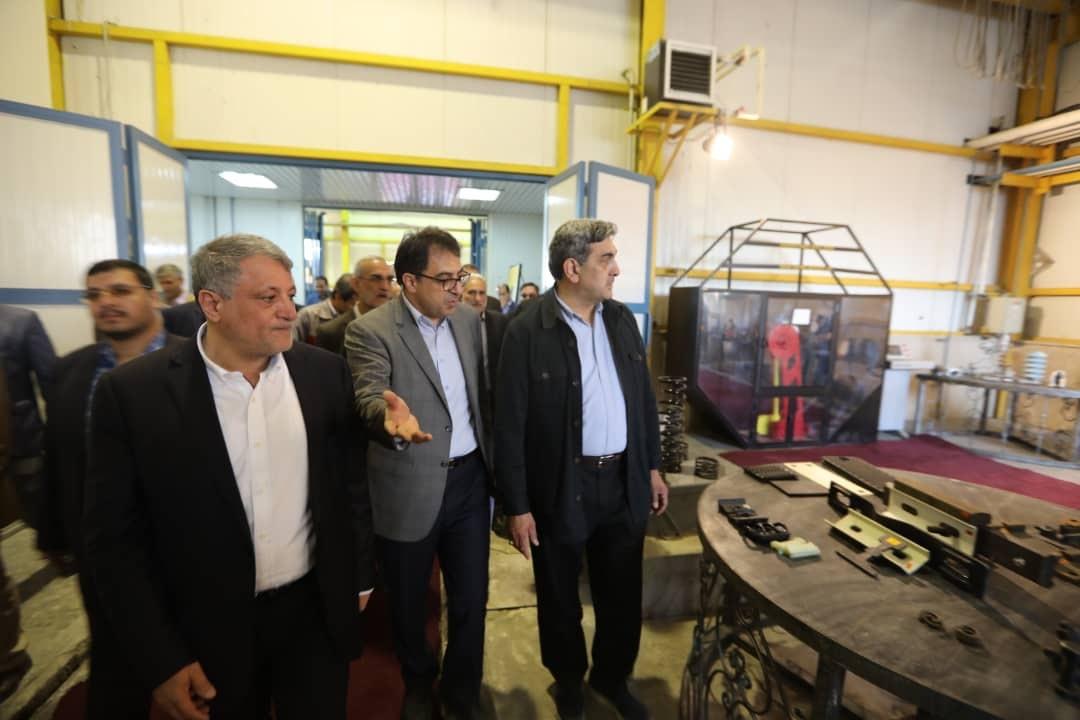شهردار تهران از دستاوردهای تولید داخلی شرکت بهره برداری مترو بازدید کرد