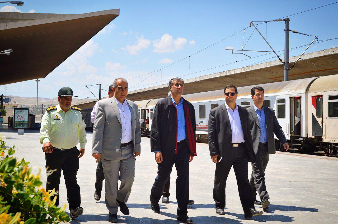 بازدید سرزده اسلامی، وزیر راه و شهرسازی از اداره کل راه آهن آذربایجان