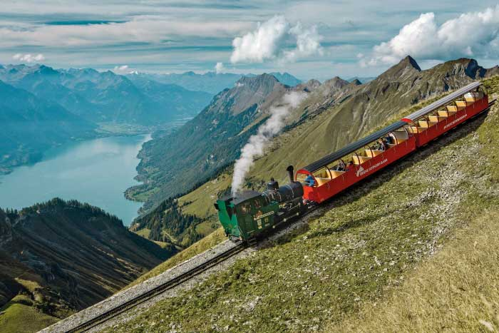 قطار گردشگری در سوییس