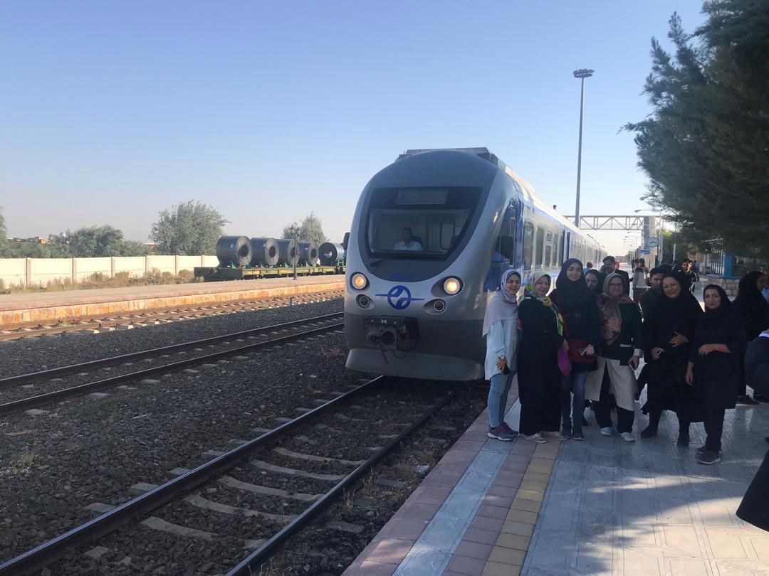 استقبال از مسافران قطار گردشگری تبریز – مراغه