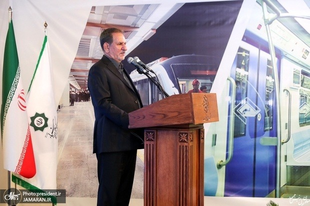 تلاش شد که تمام مراکز استان به راه آهن سراسری متصل شوند