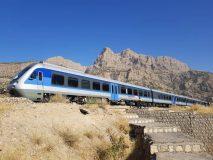 قطار گردشگری تهران با ۳۰۰ مسافر به لرستان رسید