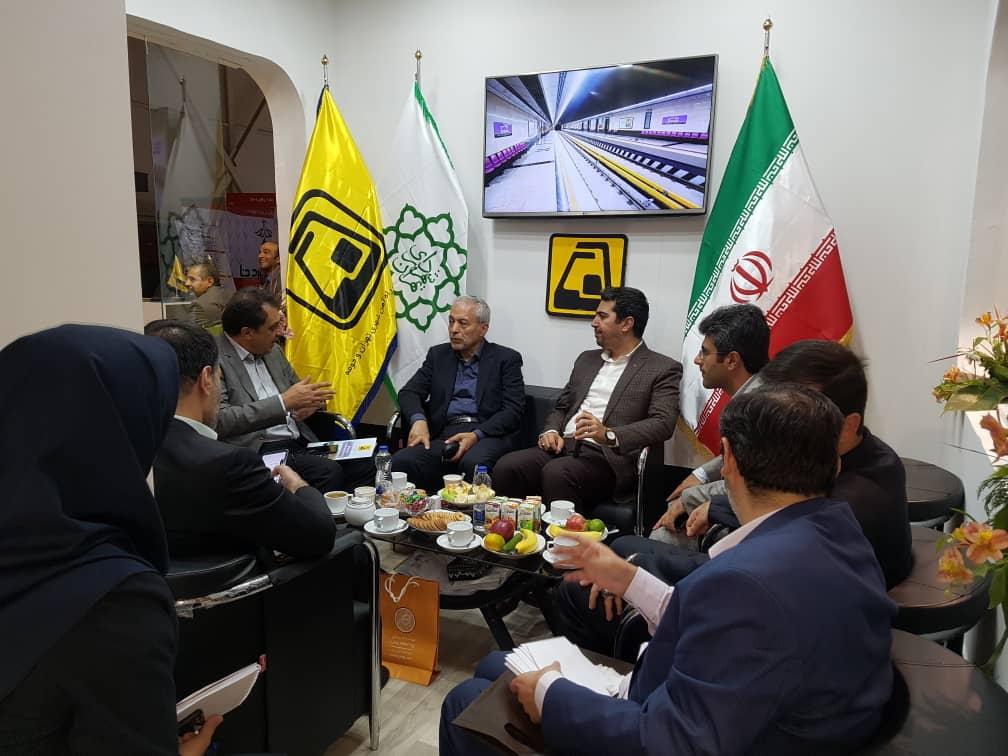 بازدید عضو شورای اسلامی شهر تهران از هفدهمین نمایشگاه حمل ونقل عمومی