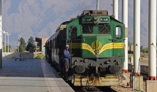 قطار تهران – زاهدان پس از رفع نقص فنی به مسیر خود ادامه می دهد