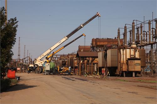 برای اولین بارجابجایی ترانس با استفاده از ریل راه آهن، در شرکت فولاد خوزستان انجام شد