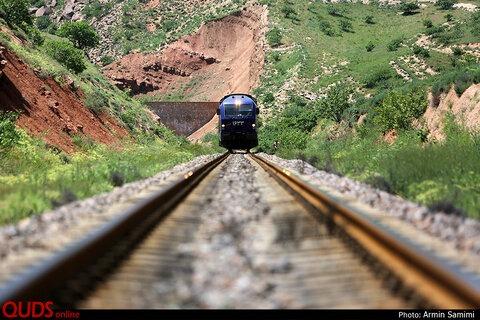 قطار اردبیل –میانه دهه فجر ۹۹ به مقصد می رسد