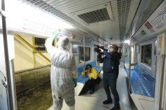 بازدید خبرنگاران از نحوه ضدعفونی و شستشوی قطارهای مترو