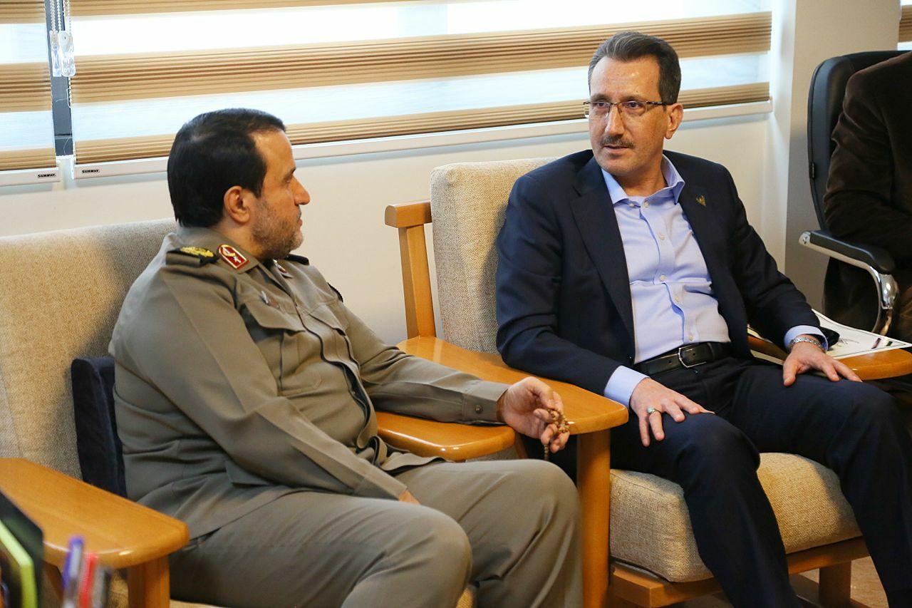 گزارش تصویری/جلسه مدیرعامل با سردار بهمن کارگر رئیس بنیاد حفظ آثار و نشر ارزش های دفاع مقدس