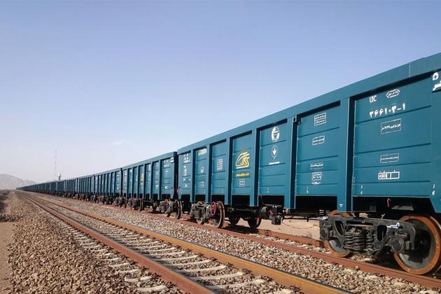 سه ماه تا انجام بازسازی ۴۶ کیلومتر از خط ریلی بافق-زرند-کرمان