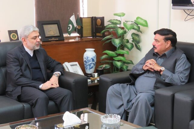 ایران آماده همکاری در چارچوب مکانیسمهای منطقهای اکو و کریدور اقتصادی چین است