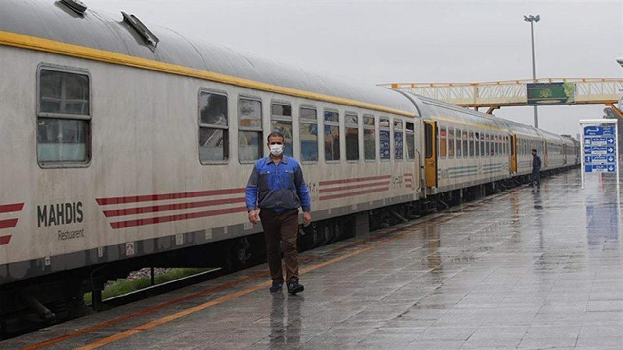 ارائه خدمات قطار شیراز به تهران با رعایت پروتکلهای بهداشتی