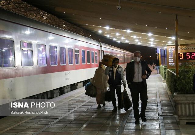 تردد قطار در مسیر شیراز به مشهد متوقف است
