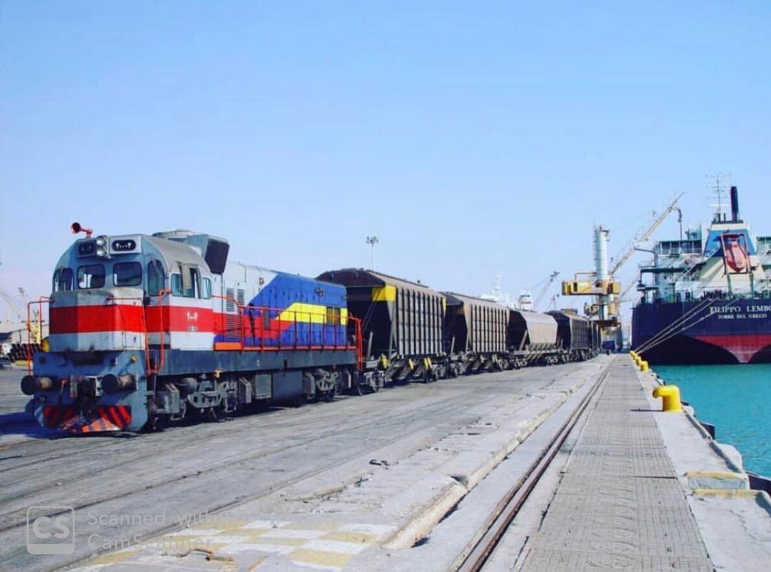 حمل بارگندم از کشتی و انتقال مستقیم به واگن قطار