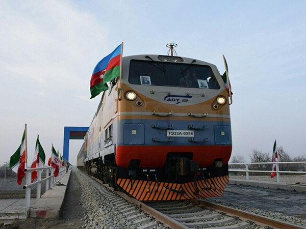 صادرات بیش از ۱۷ میلیون دلاری کالا از راهآهن آستارا