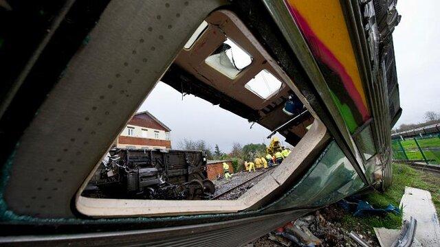 تصادف قطار در پرتغال ۲ کشته و دهها زخمی بر جای گذاشت