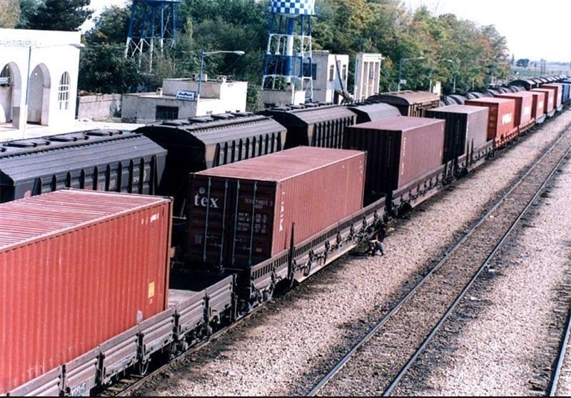 ۸۲۶ هزار تن کالا از راهآهن ارومیه صادر شد