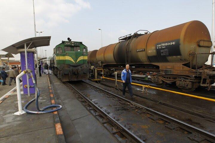 خط ریلی بارگیری نفت کوره در اراک راهاندازی شد