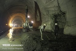 تکمیل قطعه ۲ آزادراه تهران-شمال طی امسال/ ریل ملی در همه پروژهها