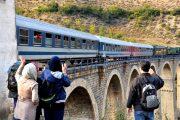 استقبال از تورهای گردشگری یک روزه با قطار عالی است.