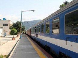 تعداد قطارهای مسافربری در مسیر مشهد – تهران و بالعکس طی هفته جاری افزایش یافت.