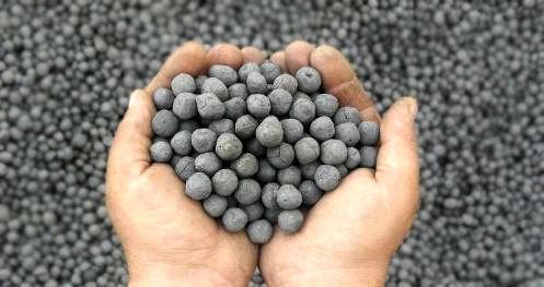 حمل ۴ هزار و ۷۰۰ تن آهن اسفنجی در راه آهن یزد