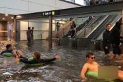ایستگاه قطار در سوئد زیر آب رفت + عکس
