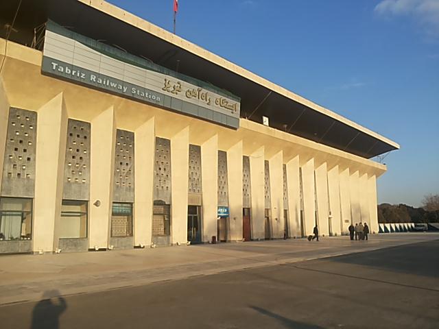 جابجایی مسافر از راه آهن آذربایجان ۴۵ درصد افزایش یافت / افزایش چشمگیر حمل، بارگیری، تخلیه و صادرات در ناحیه