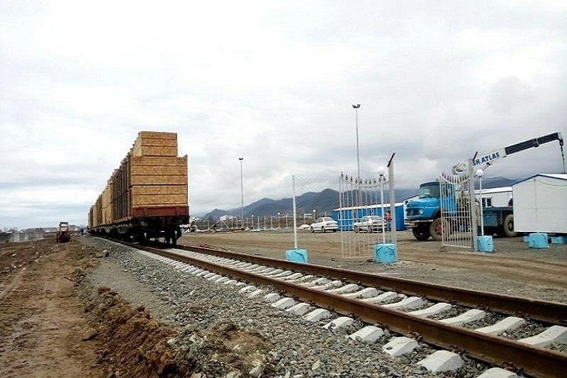 ۸۱ هزار و ۸۹۹ تن کالا از راه آهن آستارا صادر شد