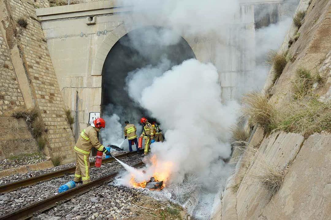 برگزاری مانور امداد و نجات در راه آهن زاگرس/ گزارش تصویری