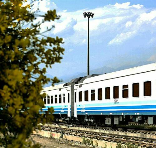 راهاندازی ۱۴ رام قطار فوق العاده مشهد در هفته وحدت