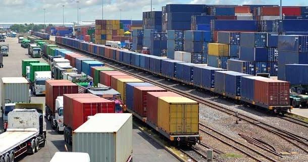 حمل کانتینری بار از چین به شیراز /  رشد ۱۳ برابری حمل باردر راه آهن فارس