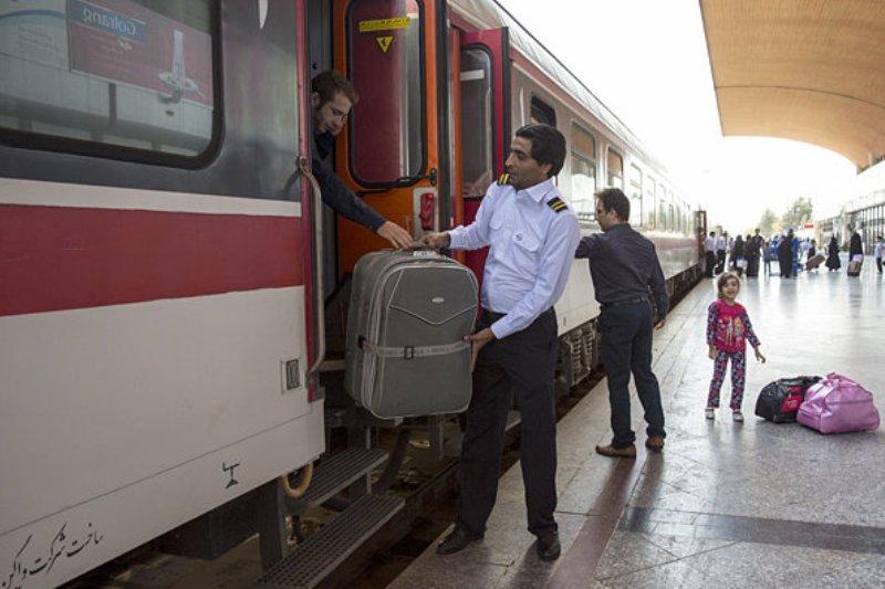 شرکتهای زیر مجموعه درخواست افزایش 25 درصدی قیمت بلیط قطار را ارائه کردند/ قیمت بلیطهای نوروزی هنوز تعیین نشده است