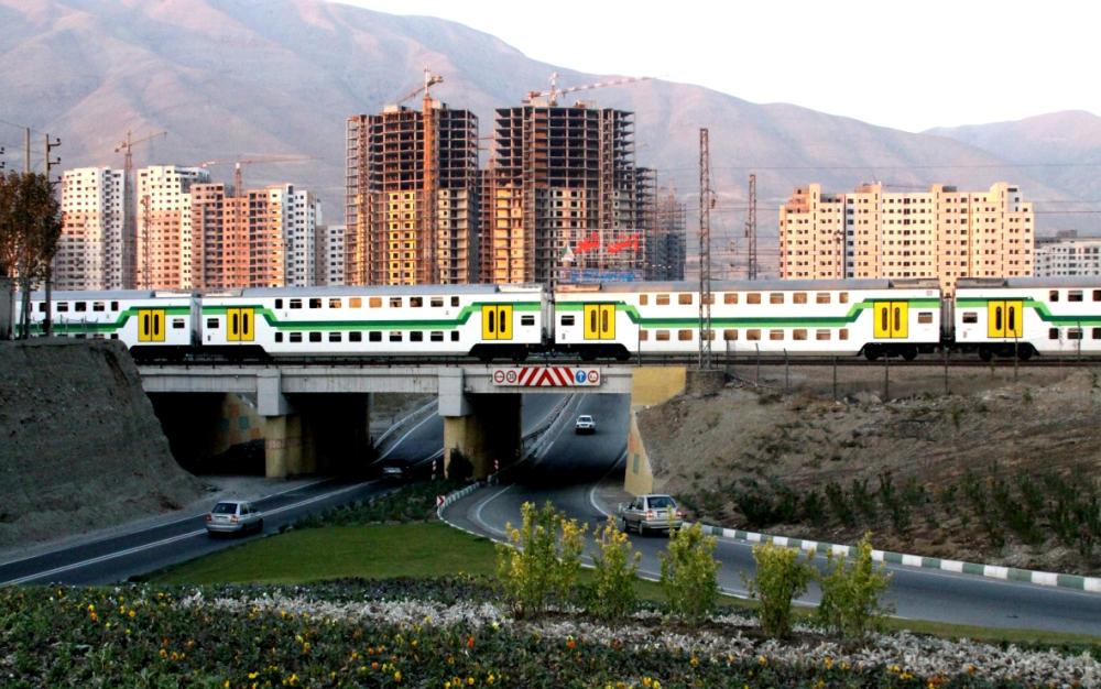 رضايت ۹۵ درصدي مسافران مترو از افزايش اعزام قطارهاي تندرو از ايستگاه كرج