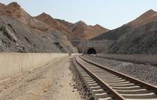 فاز اول راهآهن ایلام در قالب مسیر اسلامآباد (کرمانشاه) به ایلام تا پایان سال کلنگزنی شود. / قطار؛ بهترین جایگزین هواپیما