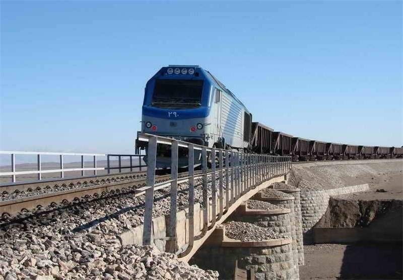 رشد 92 درصدی بارگیری در راه آهن فارس
